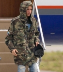 February_23_Justin_spotted_at_an_airport_in_London2C_England_18.jpg